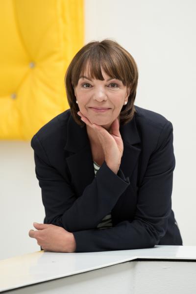 Dr. Sabina Schoefer